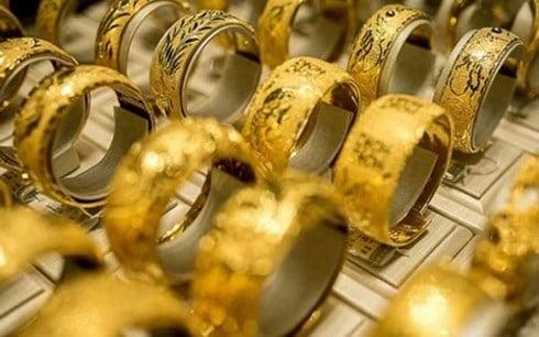 Hình ảnh Hết ngày vía Thần Tài, vàng trong nước sụt giảm mạnh, người mua lỗ ngay số 1