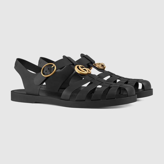 Hình ảnh Có giá hơn 11 triệu nhưng hình như sandal của Gucci trông quá giống dép rọ bộ đội của nước ta thì phải số 5