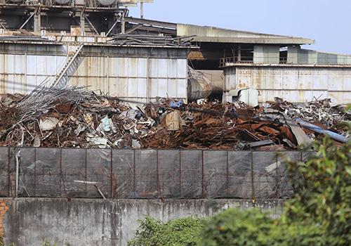Hai nhà máy thép gây ô nhiễm bị dân bao vây tạm dừng hoạt động vô thời hạn 2