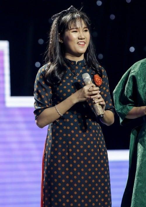 Cô bé mù hát Bolero khiến Ngọc Sơn khóc, Quang Lê tặng 10 triệu và Như Quỳnh mời hát chung 1