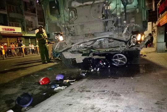 Vụ hàng loạt xe máy bị tông trong đêm: Tài xế xe ben nói gì? 1