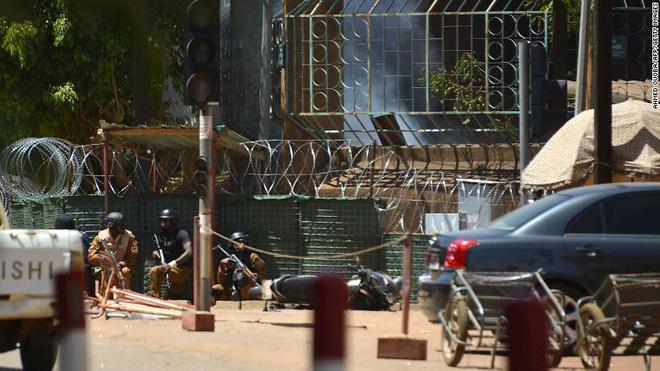 Đại sứ quán Pháp ở Burkina Faso bị tấn công khủng bố, nhiều người thiệt mạng 1