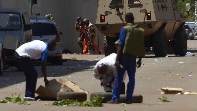 Đại sứ quán Pháp ở Burkina Faso bị tấn công khủng bố, nhiều người thiệt mạng 4
