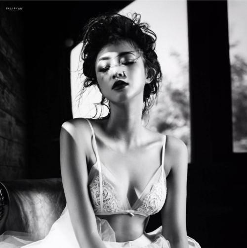 Khi hot girl Việt bất ngờ chuyển hướng sexy - ai thành công nhất? 29