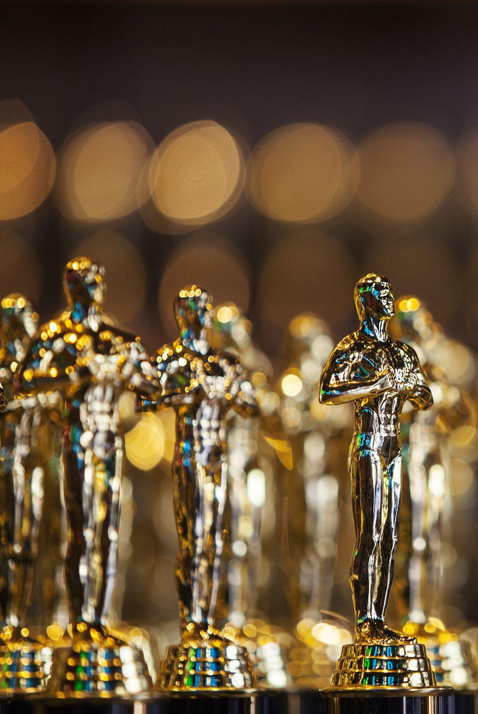 Dám cá bạn sẽ sốc khi biết được mức giá thu được khi bán một bức tượng vàng Oscar 7