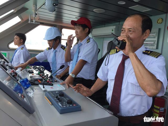 Binh sĩ tàu sân bay Mỹ vào bờ Đà Nẵng bằng cách nào? 1