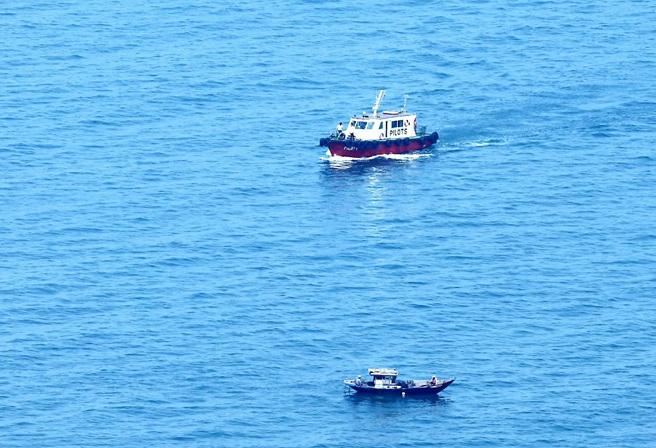 Siêu tàu sân bay USS Carl Vinson đã vào vịnh Đà Nẵng 6