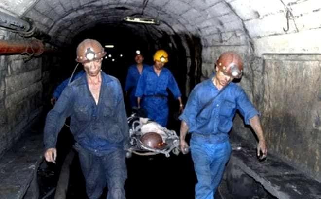 Cáp tời bất ngờ bị đứt khiến 2 công nhân than thương vong 1