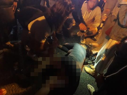 Chê đồ ăn sống, du khách bị đánh ngất xỉu tại chợ đêm Đà Lạt 1