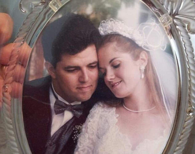 Nghi ngờ vợ ngoại tình, chồng dùng hẳn flycam theo dõi và nhận cái kết buồn cho cuộc hôn nhân 1