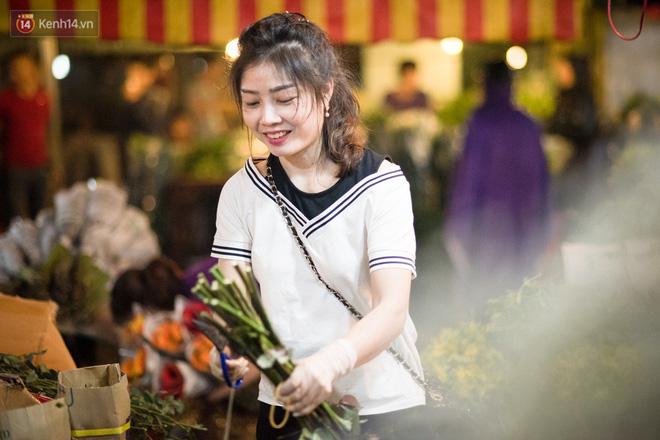 """8/3 của những người phụ nữ không bao giờ thiếu hoa: """"Mình thích thì mang hoa về tự cắm, chẳng cần chờ ai tặng cả!"""" 3"""