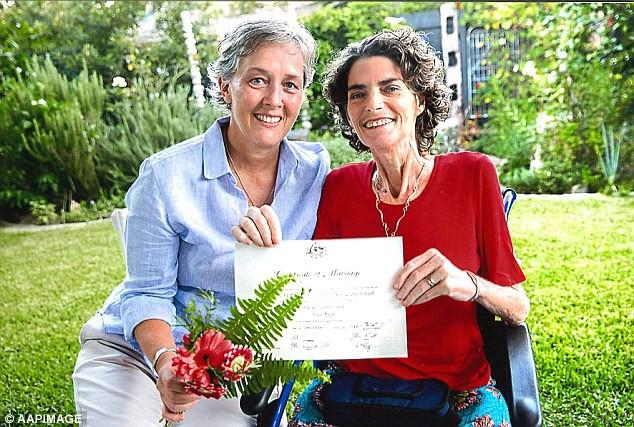 Vừa cưới nhau được 48 ngày, bi kịch đau đớn đã ập đến với cặp đôi đồng tính kết hôn đầu tiên tại Úc 1