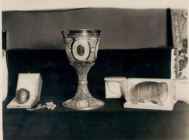 Cuộc tìm kiếm quả trứng Faberge bí ẩn trị giá 30 triệu bảng Anh: Hàng trăm năm, vẫn không ai biết chính xác nó ở đâu 4