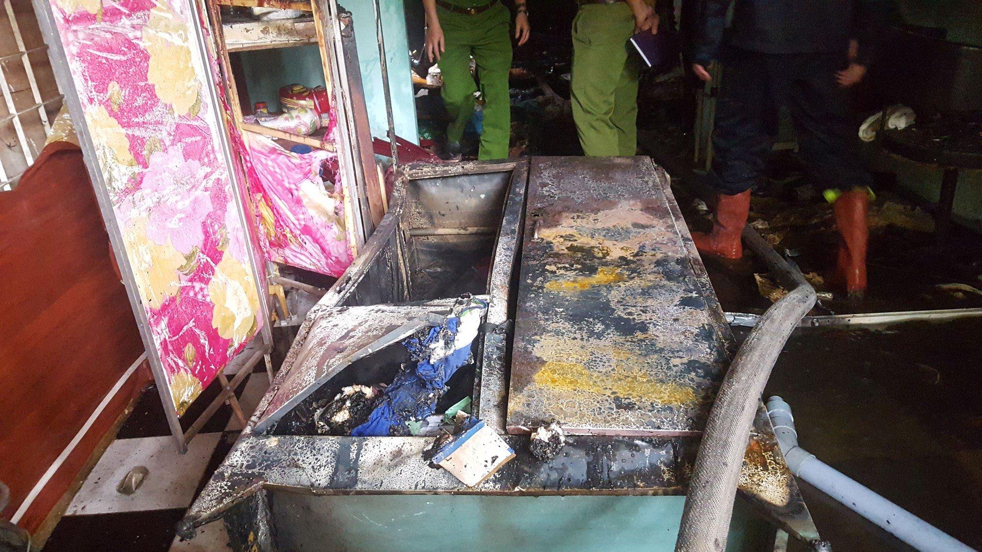 Đà Nẵng: Cháy lan tại nhà trọ giữa trưa, cả xóm náo loạn 5