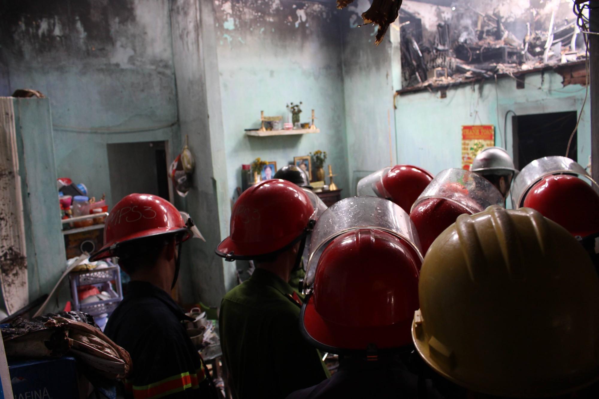Đà Nẵng: Cháy lan tại nhà trọ giữa trưa, cả xóm náo loạn 3