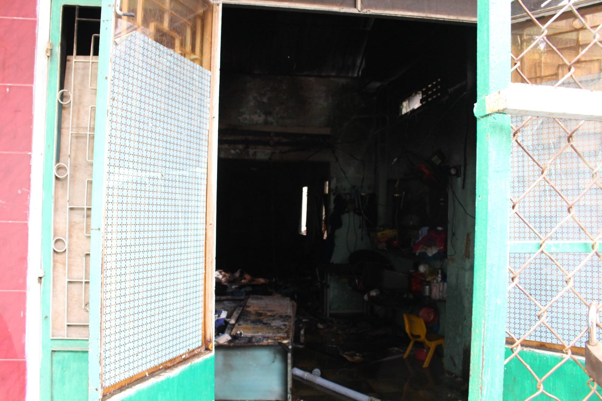 Đà Nẵng: Cháy lan tại nhà trọ giữa trưa, cả xóm náo loạn 4