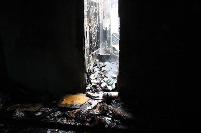 Đà Nẵng: Cháy lan tại nhà trọ giữa trưa, cả xóm náo loạn 6
