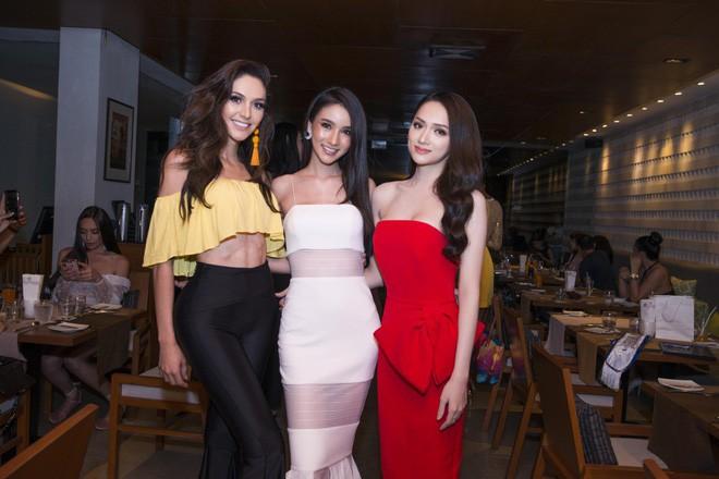 Giải thưởng 'khủng' mà Hương Giang nhận được khi trở thành Tân Hoa hậu Chuyển giới Quốc tế 2018 7