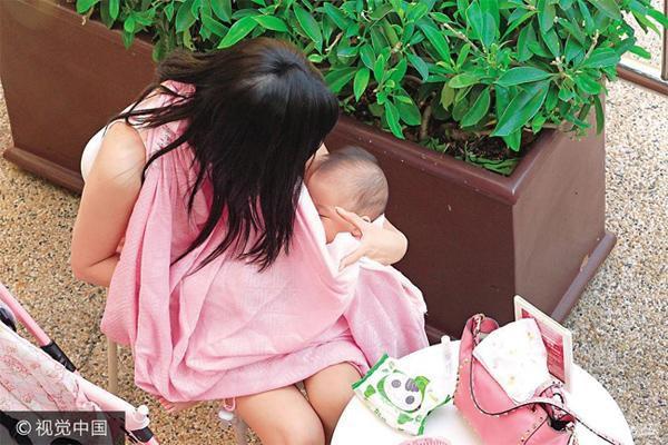 Cuộc đời đẫm nước mắt của nàng Á hậu từng khiến bao đại gia say mê: Bị bạn trai ép phá thai, con gái bị điếc bẩm sinh 11