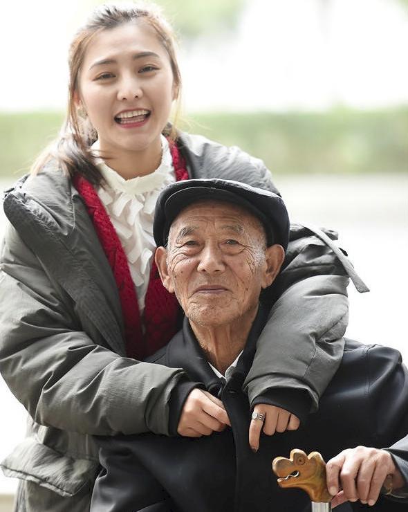 Bộ ảnh cưới của cô gái trẻ và cụ ông 87 tuổi khiến dân mạng xôn xao - Ảnh 7.