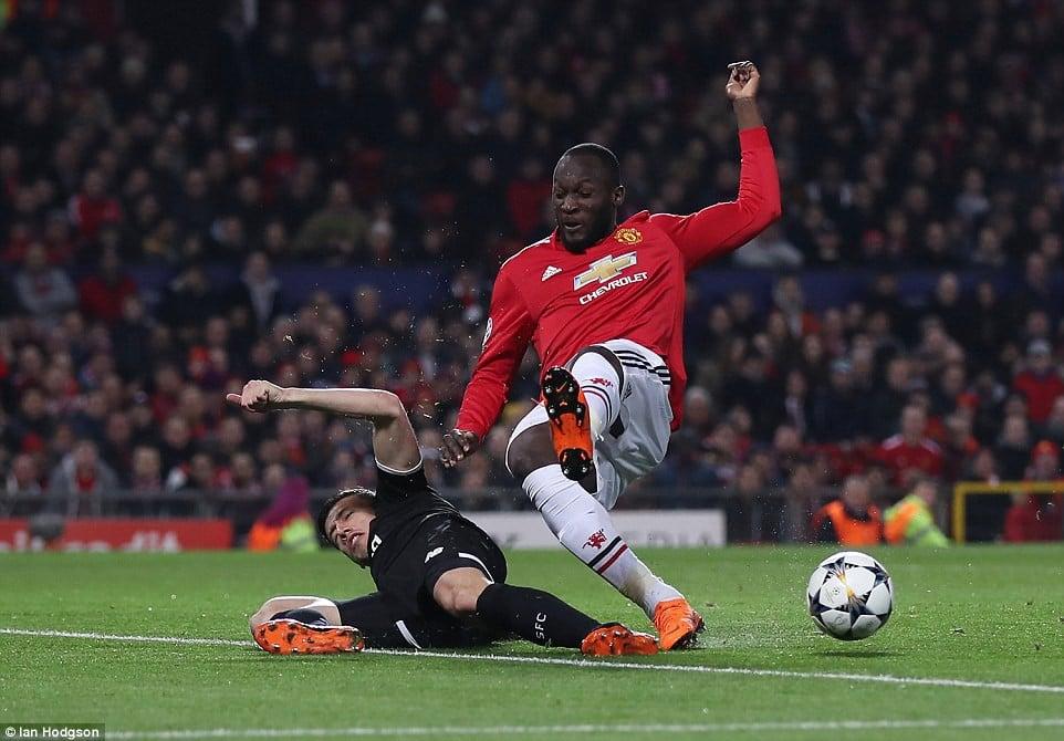Man Utd nhạt nhòa, bị đá văng khỏi Champions League 3