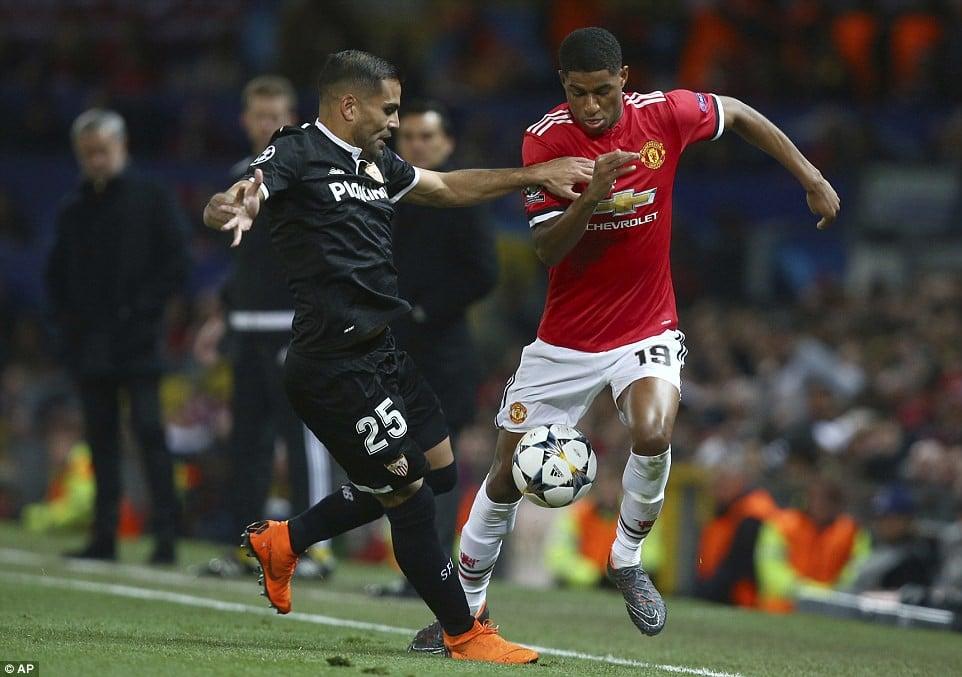 Man Utd nhạt nhòa, bị đá văng khỏi Champions League 2