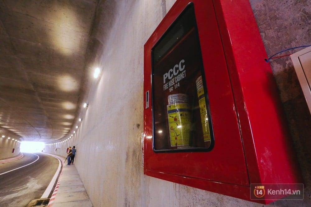 Cận cảnh nút giao thông 3 tầng thứ hai ở Sài Gòn sau khi thông xe hầm chui hơn 500 tỉ đồng - Ảnh 12.