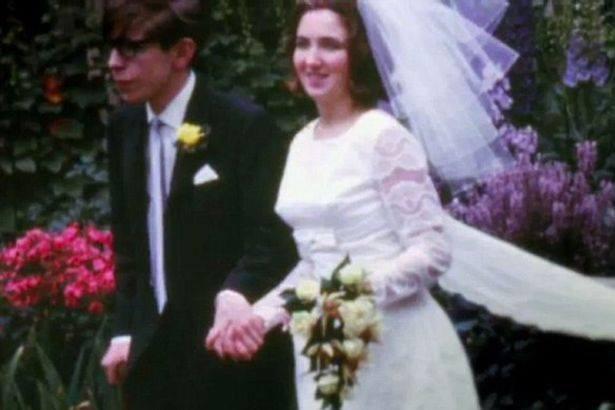 Sự thật đằng sau bộ phim triệu người xem về Stephen Hawking: Những ẩn ức chưa kể - Ảnh 3.