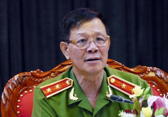 Vụ bảo kê đường dây đánh bạc: Công an làm việc với Trung tướng Phan Văn Vĩnh 1