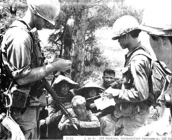 50 năm thảm sát Mỹ Lai: Quá nhiều đau đớn và ám ảnh trong những bức hình 4