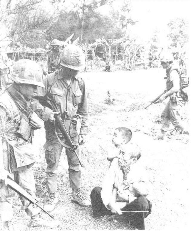 50 năm thảm sát Mỹ Lai: Quá nhiều đau đớn và ám ảnh trong những bức hình 8