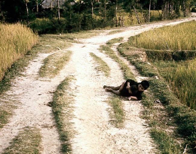 50 năm thảm sát Mỹ Lai: Quá nhiều đau đớn và ám ảnh trong những bức hình 15