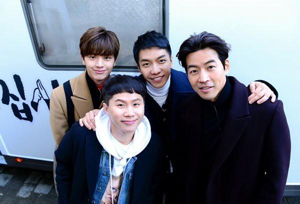 HOT: Ngộ Không Lee Seung Gi, mỹ nam Yook Sung Jae và dàn sao siêu hot sắp sang Việt Nam thăm HLV Park của U23 - Ảnh 2.