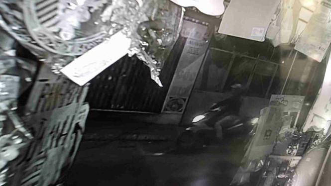 Trích xuất được hình ảnh hung thủ bắn nam thanh niên ở Sài Gòn từ camera an ninh 1