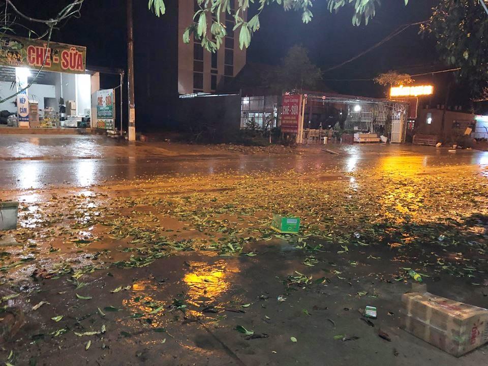 Clip mưa đá trắng trời ở Mộc Châu gây xôn xao mạng xã hội 2