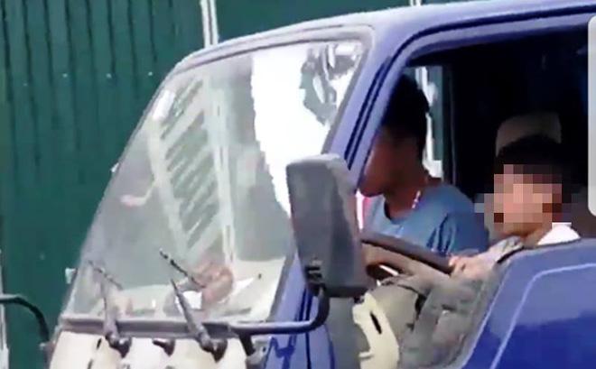 Ủy Ban ATGT Quốc gia yêu cầu xác minh clip bé trai lái xe tải trên đường 1