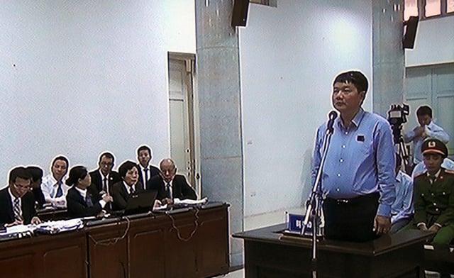 Hình ảnh Hình ảnh ông Đinh La Thăng trong ngày đầu xét xử vụ PVN thiệt hại 800 tỷ đồng số 4