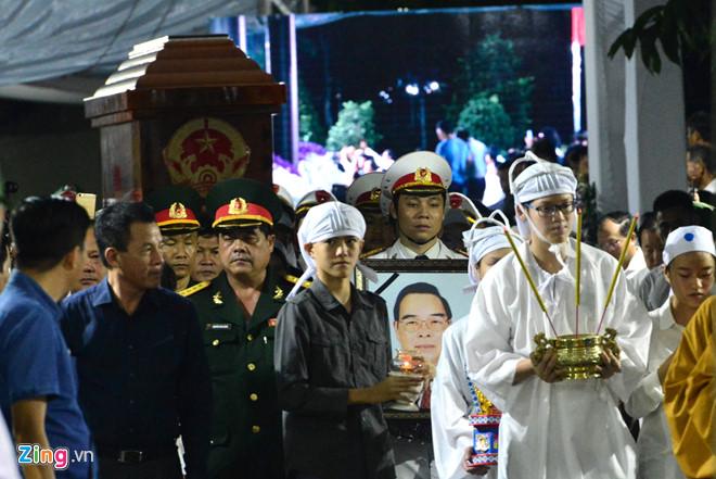 Di quan linh cữu cố Thủ tướng Phan Văn Khải về Hội trường Thống Nhất 2