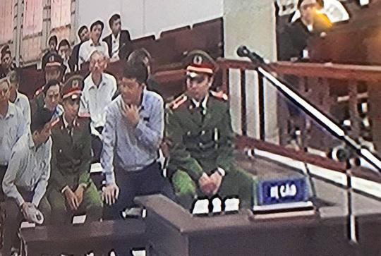 Ông Thăng liên tục nói chuyện với Ninh Văn Quỳnh trong phiên xét xử hôm nay 19/3 1