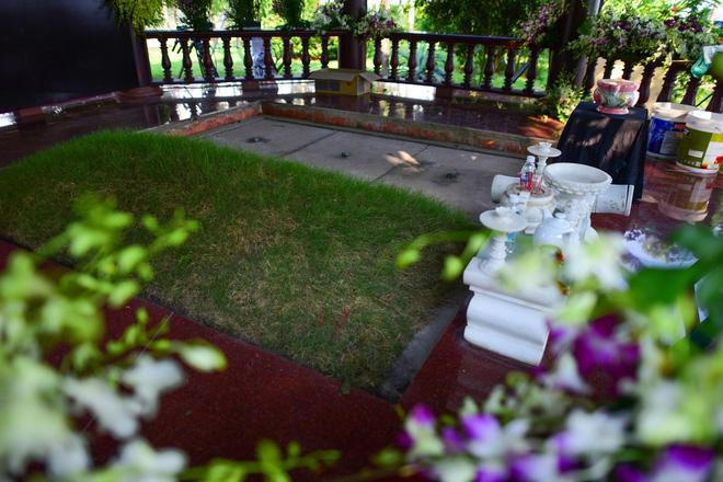 Cận cảnh nơi an nghỉ của cố Thủ tướng Phan Văn Khải bên cạnh mộ vợ 3