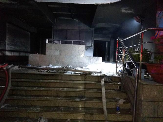 Hiện trường ngổn ngang vụ cháy chung cư cao cấp khiến 13 người tử vong 2