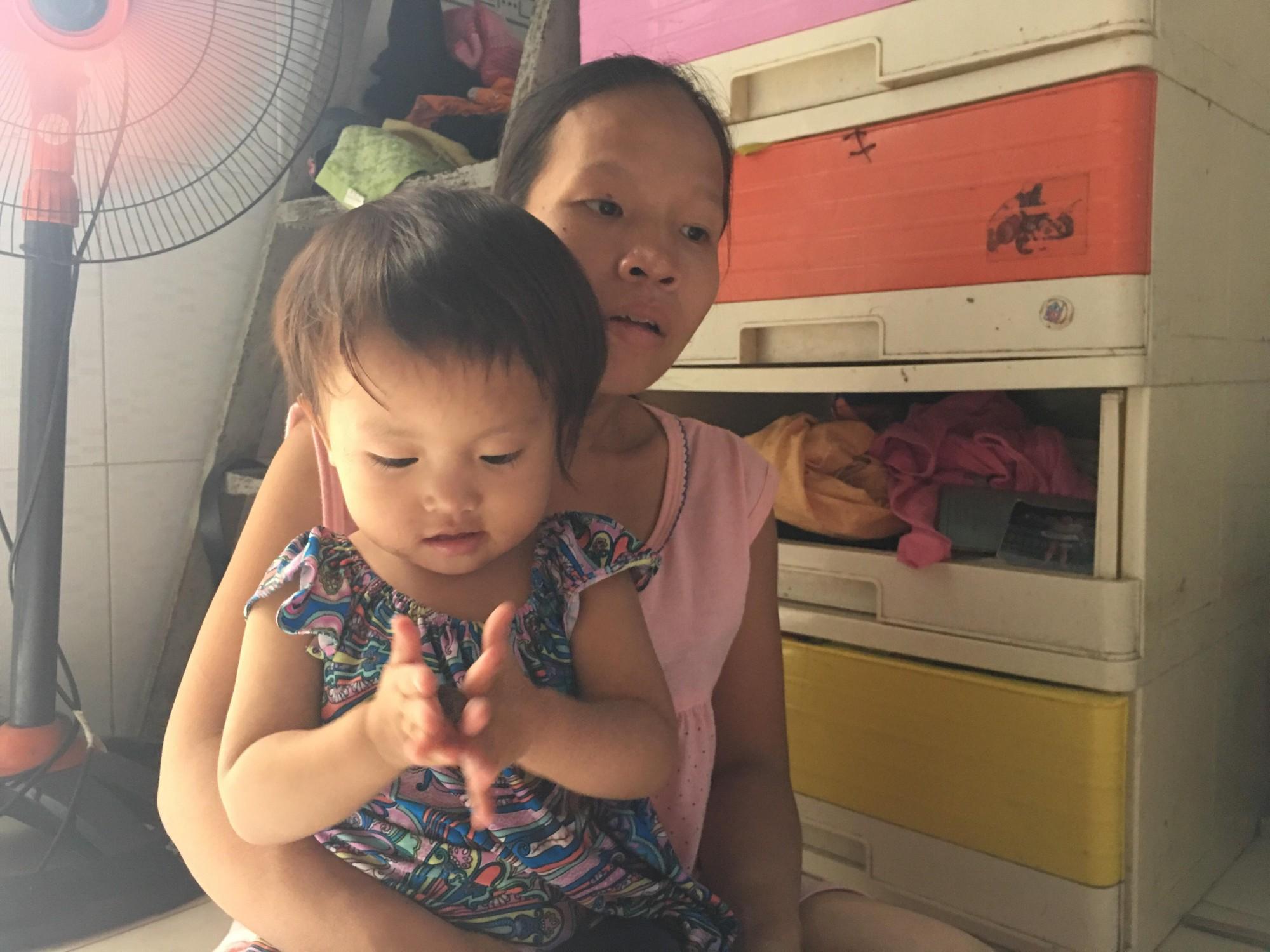 Tìm thấy bé gái 8 tuổi mất tích sau khi đón xe buýt từ làng ĐH Quốc Gia xuống trung tâm Sài Gòn trong lúc đi ăn xin 3