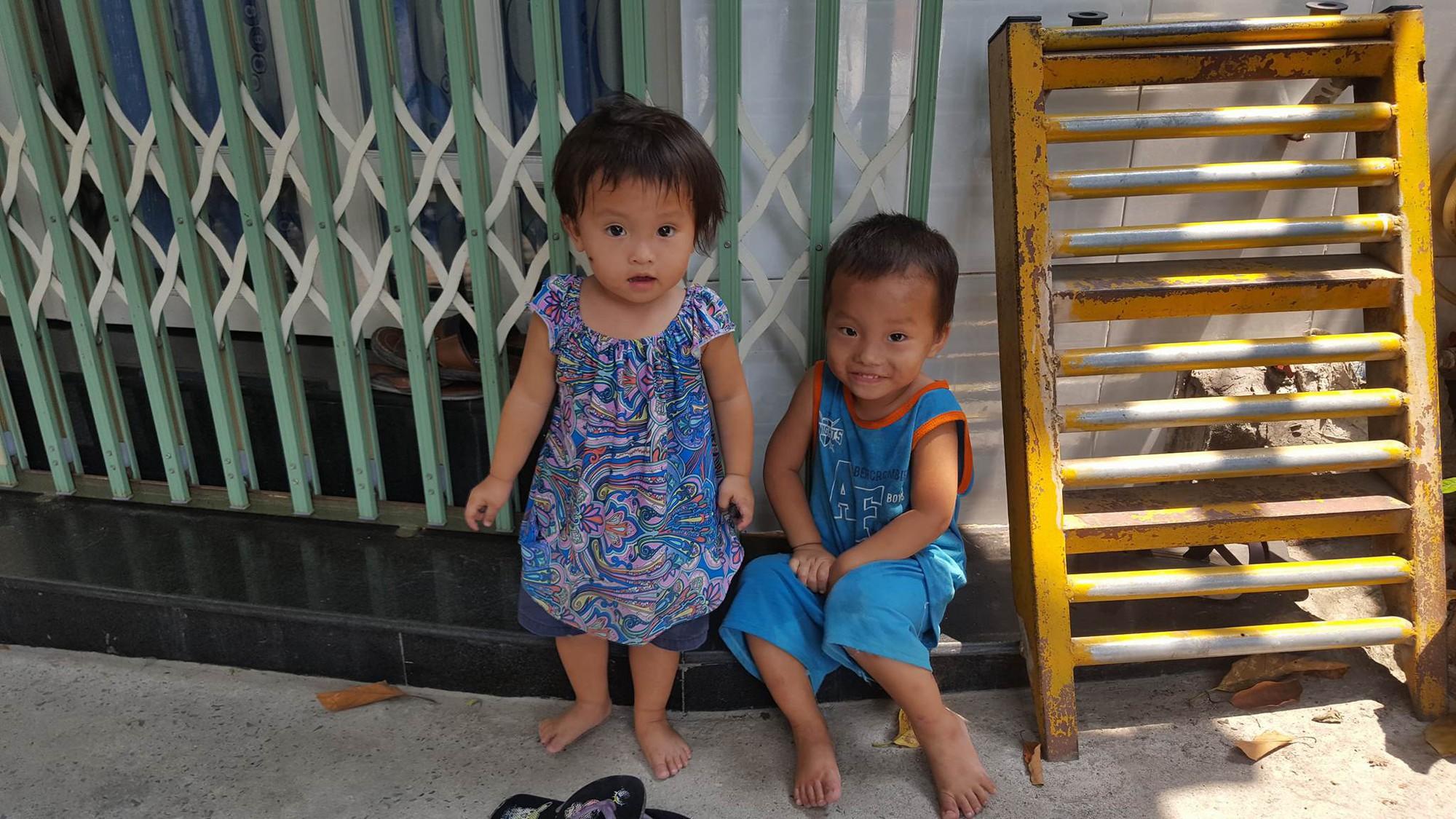 Tìm thấy bé gái 8 tuổi mất tích sau khi đón xe buýt từ làng ĐH Quốc Gia xuống trung tâm Sài Gòn trong lúc đi ăn xin 4