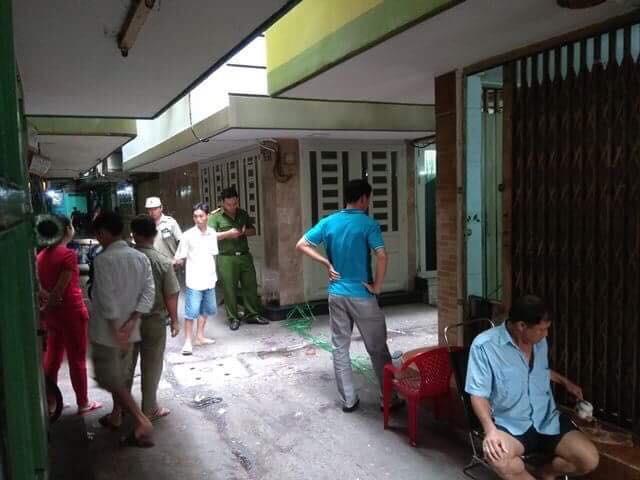 Nhiều trinh sát vào cuộc truy bắt nhóm đối tượng truy sát đến chết nam thanh niên trong con hẻm ở trung tâm Sài Gòn - Ảnh 2.