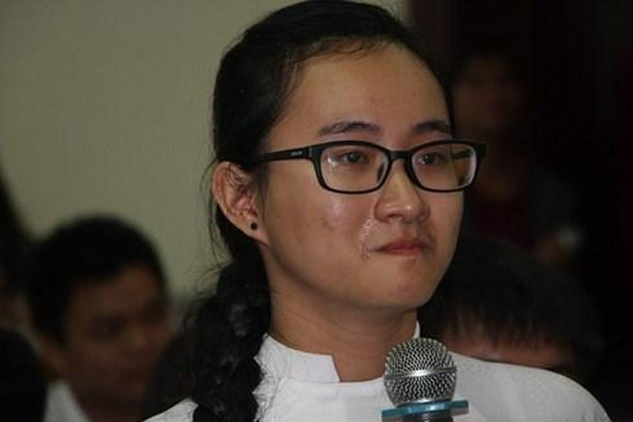 Hình ảnh Cô giáo im lặng không giảng bài suốt 1 học kỳ: Tôi là một người sống rất trách nhiệm, sống đúng đắn số 2