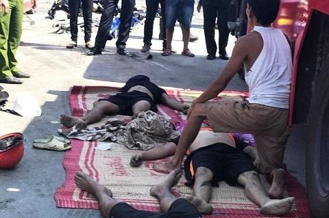 Bình Định: 3 thủy thủ chết ngạt sau khi chui xuống hầm tàu dọn mật rỉ 1