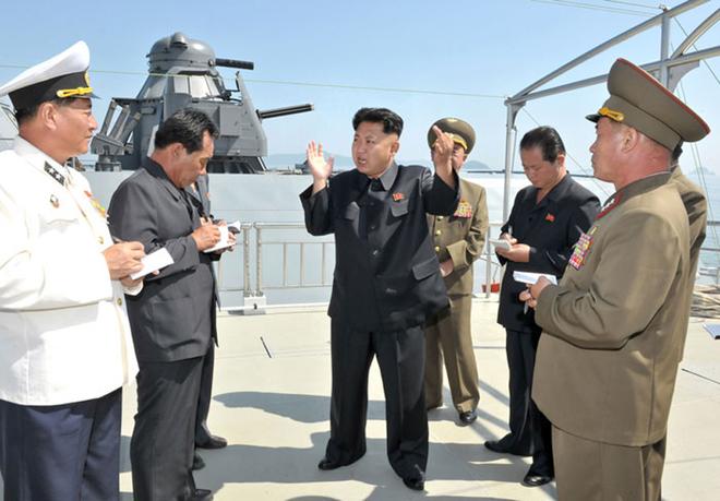 Hé lộ hình ảnh tàu tên lửa tấn công nhanh tàng hình bí ẩn của Triều Tiên  2