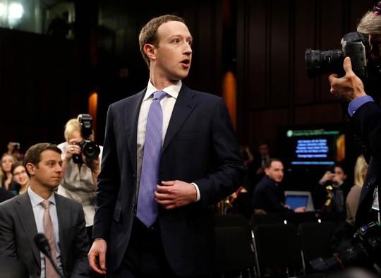 Ông chủ Facebook điều trần suốt 5 giờ trước quốc hội Mỹ 1