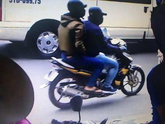 Nghi phạm thứ 3 cướp ngân hàng ABBank ở Sài Gòn ra đầu thú 3
