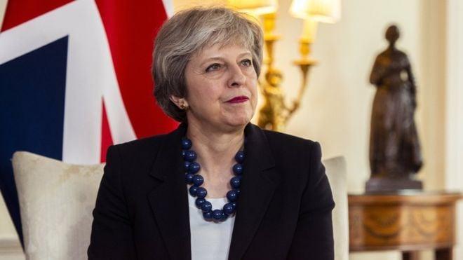 Bà May ra lệnh cho các tàu ngầm Anh vào vị trí, sẵn sàng tấn công Syria ngay đêm nay! 1